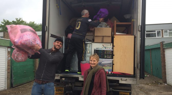 Refugees Welcome supporters help with house move – 6.5.17